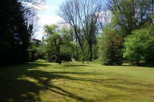 Prachtvolle Villa mit großem uneinsehbaren Garten zu kaufen