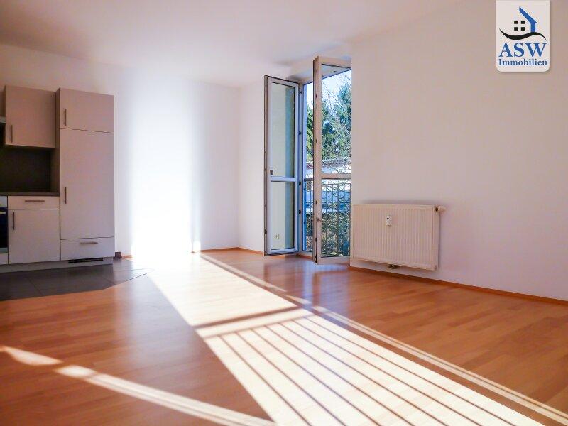Schöne und top ausgestattete 3 Zi - Wohnung in attraktiver Lage nahe Schillerplatz, Universitäten u. Zentrum. WG tauglich!