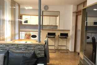 SCHWAZ - Möblierte, sonnige 3 Zimmerwohnung  mit  Wintergarten