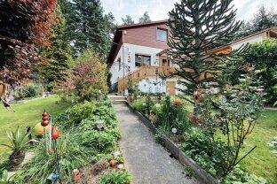 """Familienfreundliches Wohnen in geräumigen Einfamilienhaus mit Wintergarten und bezaubernder Außenanlage """"RESERVIERT"""""""