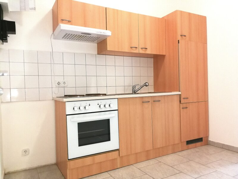 NEUWERTIGE  ALTBAUWOHNUNG - 3 Zimmer -  LIFT - U Bahn Nähe - BEZUGSFERTIG - KFZ STELLPLATZ /  / 1060Wien / Bild 4
