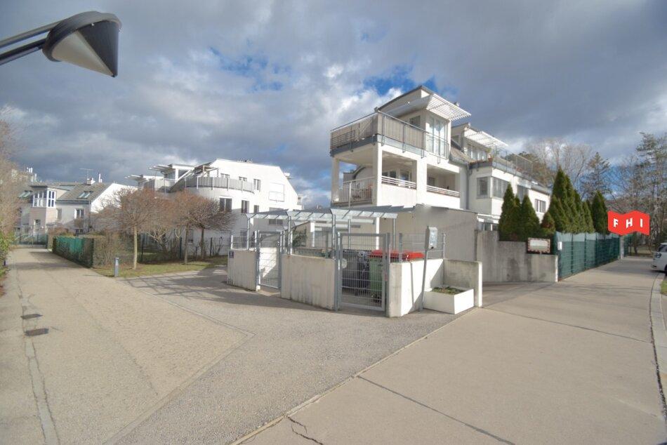Sonnige 2 Zimmer Neubaumiete mit Tiefgaragenplatz in schöner Lage