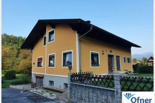 Wenn's etwas mehr sein soll: Zweifamilienhaus mit zusätzlichem Baugrundstück am ländlichen Stadtrand