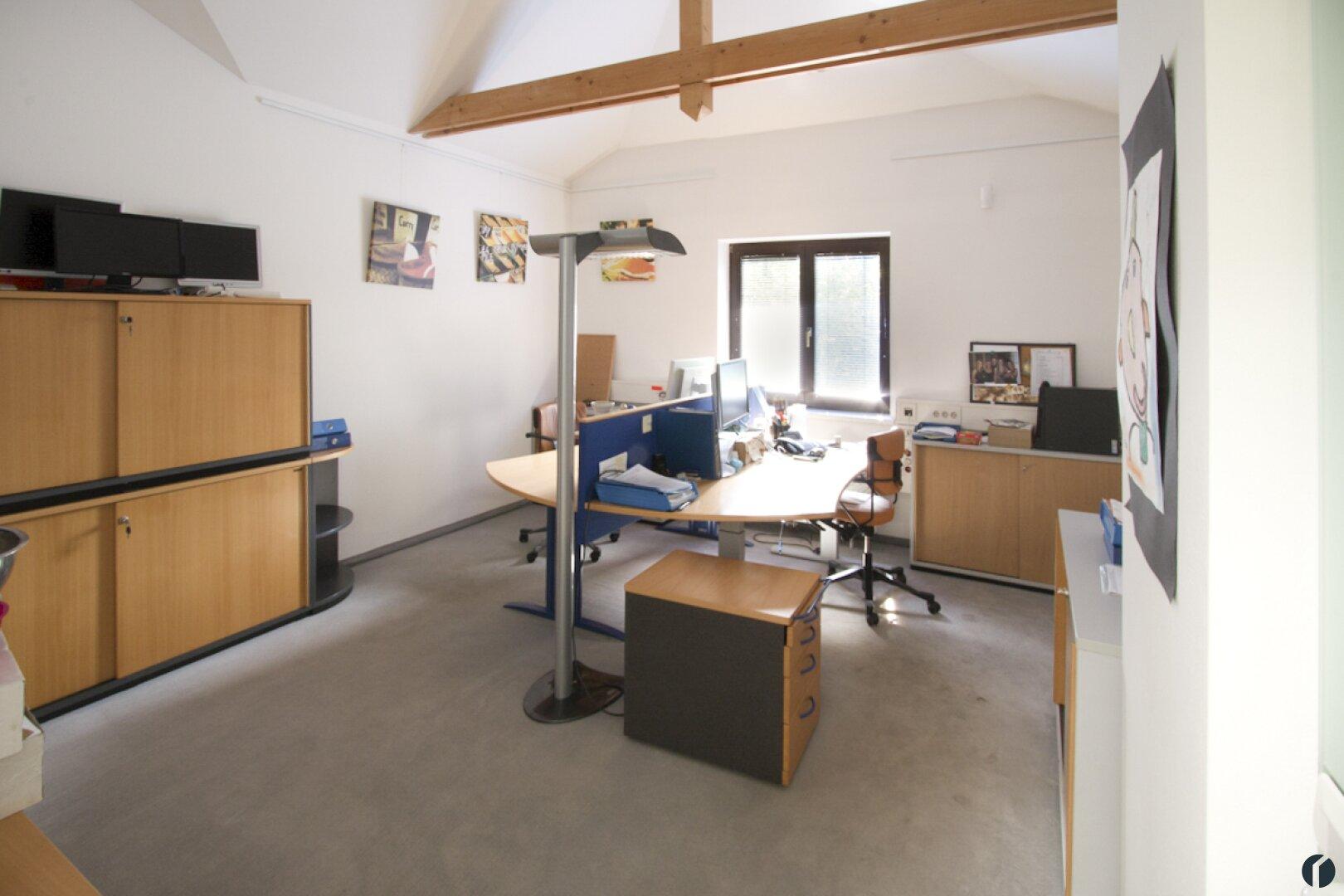 Büroraum im OG
