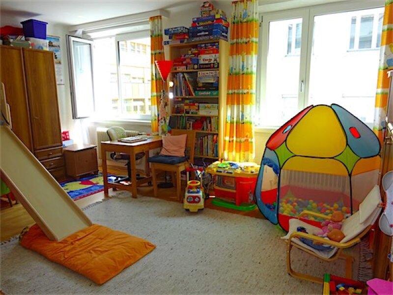 Großzügige Familienwohnung in Toplage: 5 Zimmer + Küche, Loggia, guter Zustand, ruhig + hell, Nähe Linie 37 Gatterburggasse! /  / 1190Wien / Bild 4