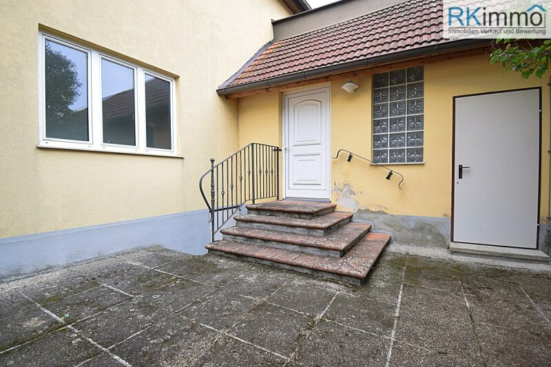 Nähe der Weinstadt Retz Ein - Mehrfamilienhaus in schöner Lage im sonnigen Weinviertel /  / 2073Schrattenthal / Bild 3