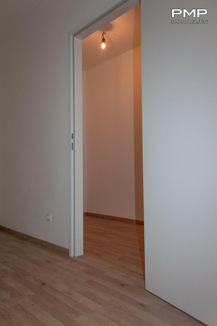 Vorzimmer mit großem Abstellraum