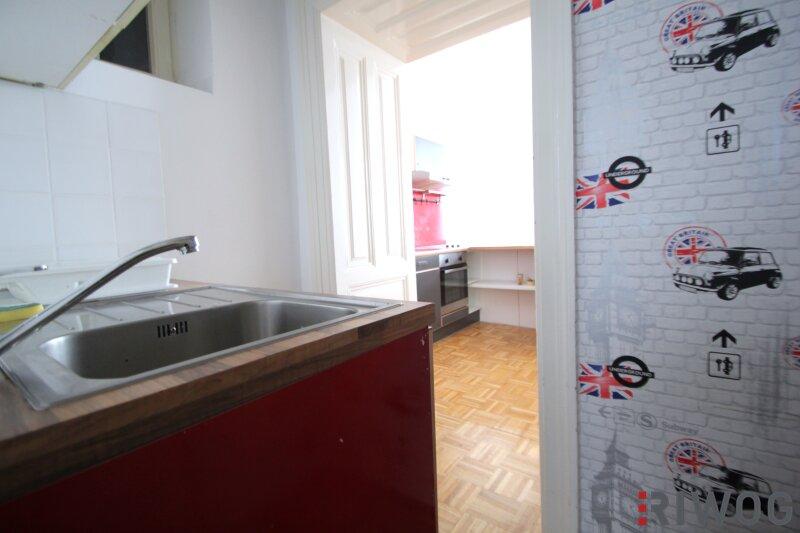 ***Charmante Altbauwohnung---Saniertes Haus---Schlafzimmer mit Innenhoflage*** /  / 1050Wien / Bild 4