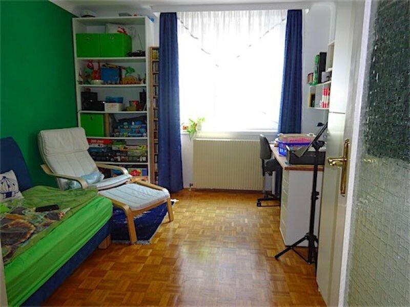 Großzügige Familienwohnung in Toplage: 5 Zimmer + Küche, Loggia, guter Zustand, ruhig + hell, Nähe Linie 37 Gatterburggasse! /  / 1190Wien / Bild 0
