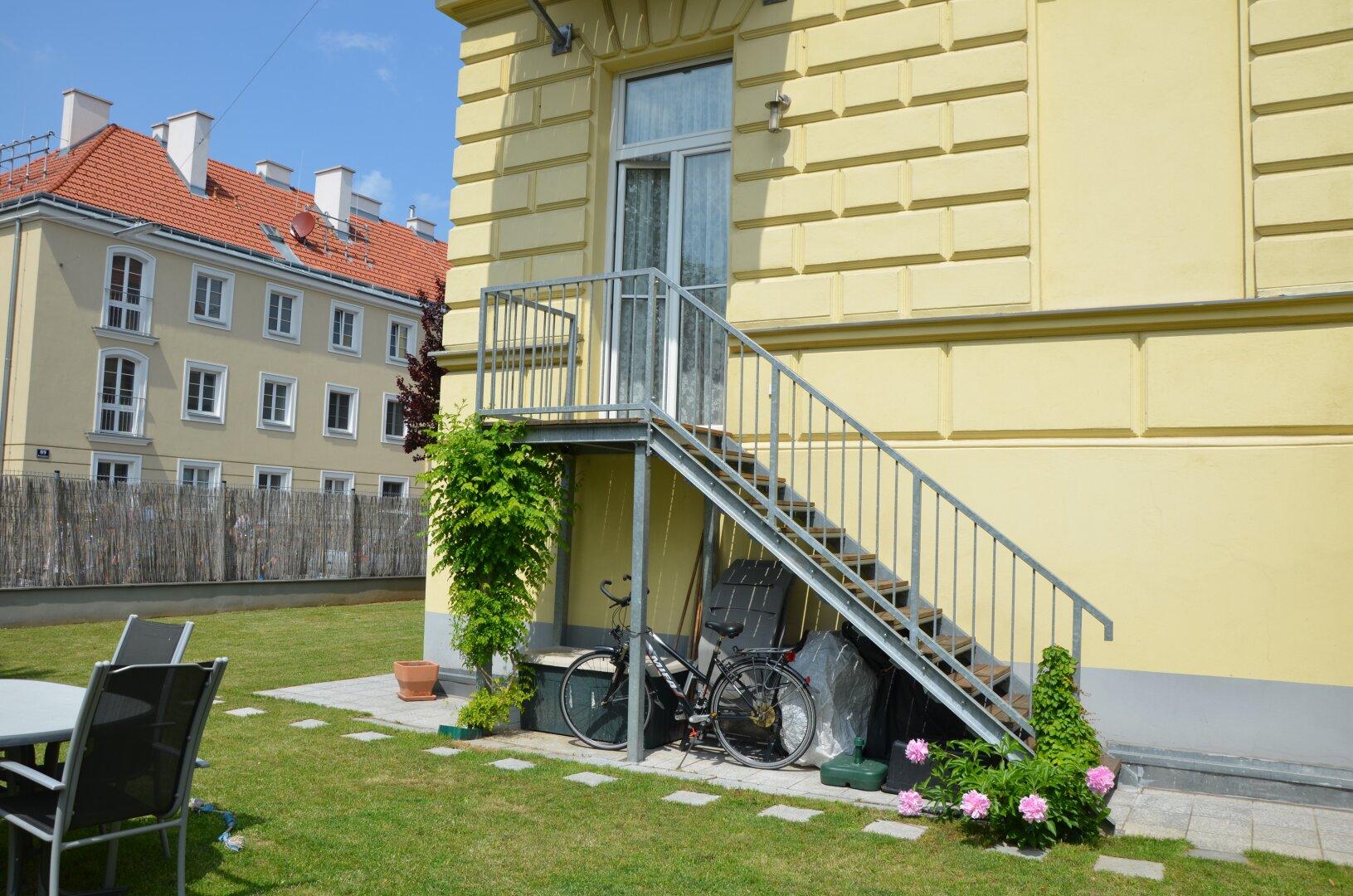 Treppe zum Eigengarten