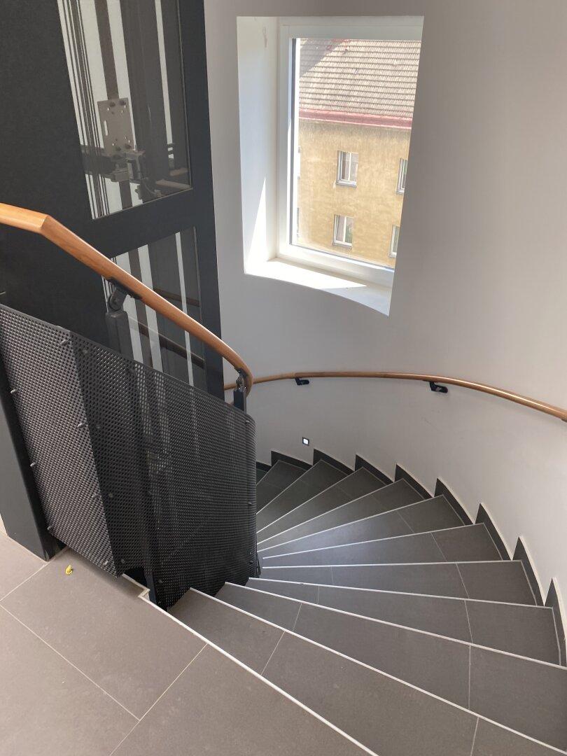 Treppenhaus - Dachgeschoss neu errichtet