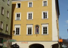Das Zentrum vor der Haustüre! Großzügige 3-Zimmer-Wohnung mit Balkon