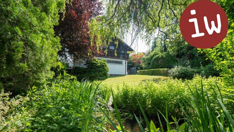 Großzügiges Einfamilienhaus mit Schwimmhalle in Grünruhelage Objekt_618 Bild_42