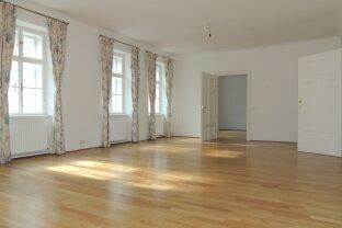 Altbauwohnung mit besonderem Flair und großem Salon!