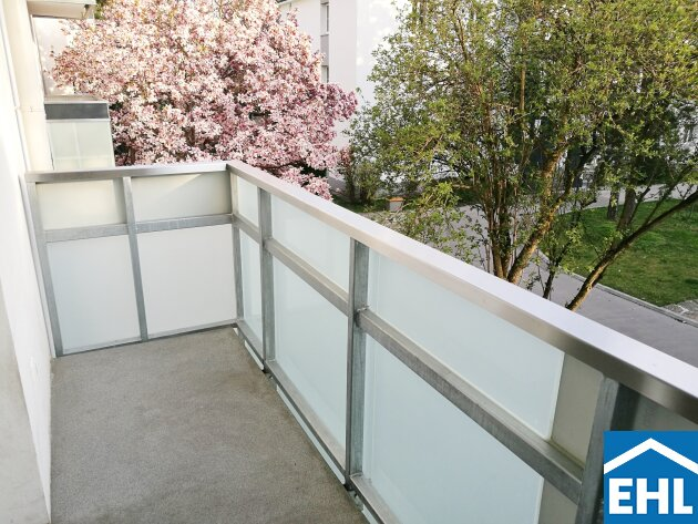 Frühlingserwachen: Sonnige 2-Zimmerwohnung mit südseitigem Balkon nahe U4