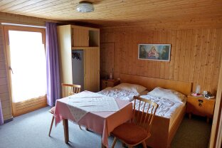 Dachgeschosszimmer in Telfes zu vermieten