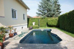Traumhaftes Einfamilienhaus mit Swimmingpool!