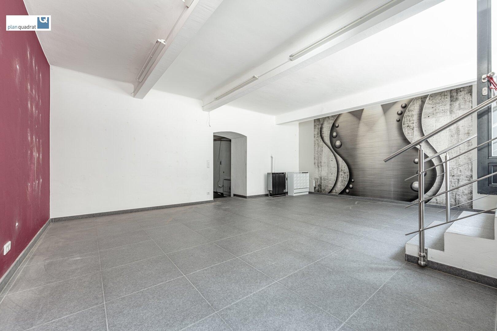 Haupt-Verkaufsraum (ca. 40,04 m²) - ausgerichtet gen Lange Gasse