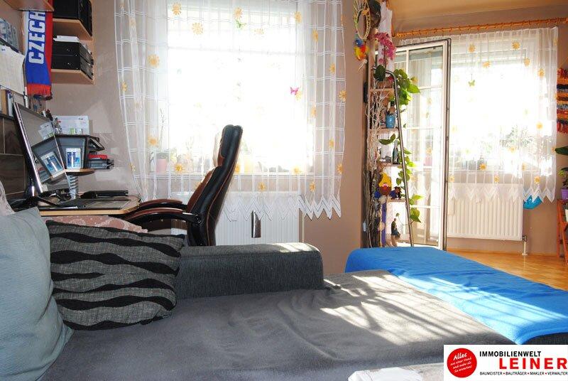 Schwechat: Top gepflegte 3 Zimmer Eigentumswohnung mit sonniger, ruhiger Loggia! Objekt_8837 Bild_711