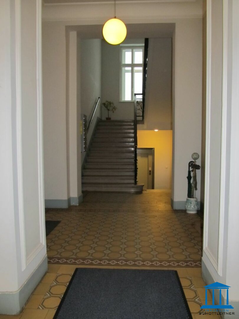 1391_Stiegenhaus 01