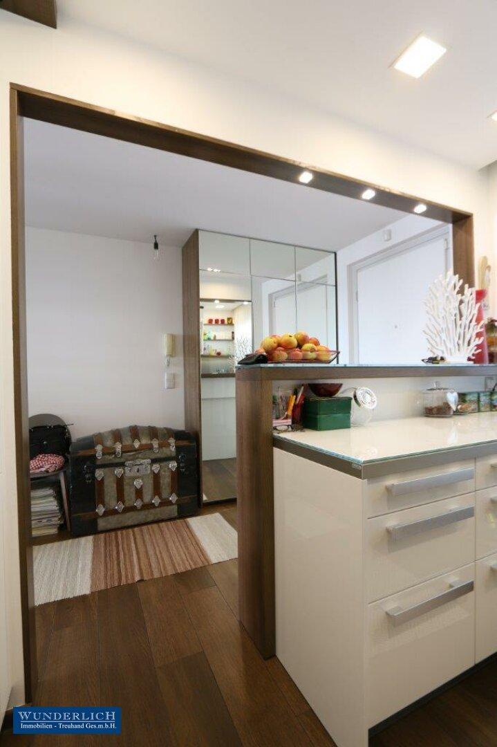 Blick von Küche zum Vorzimmer