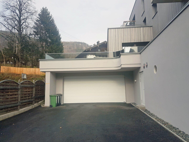 Doppelgarage mit 2 Stellplätze im Freien, Wohnung Dachgeschoss Thiersee