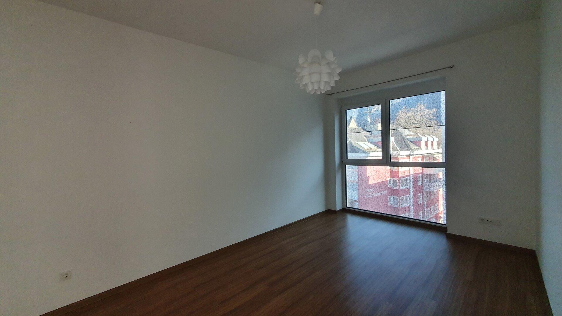 Zimmer 2, 3-Zimmer Wohnung Kufstein Zentrum