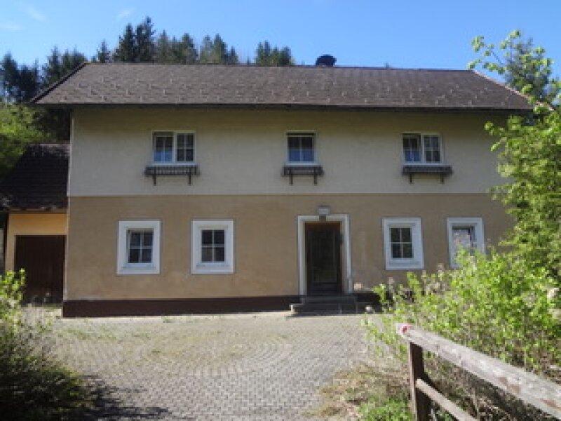 Zweigeschossiges Einfamilienhaus in der Nähe von Waidhofen an der Ybbs mit Riesengrundstück: