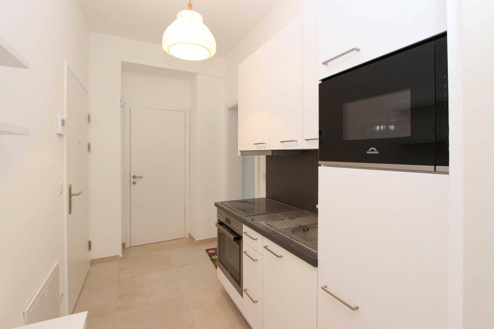 Eingangsbereich + Küche