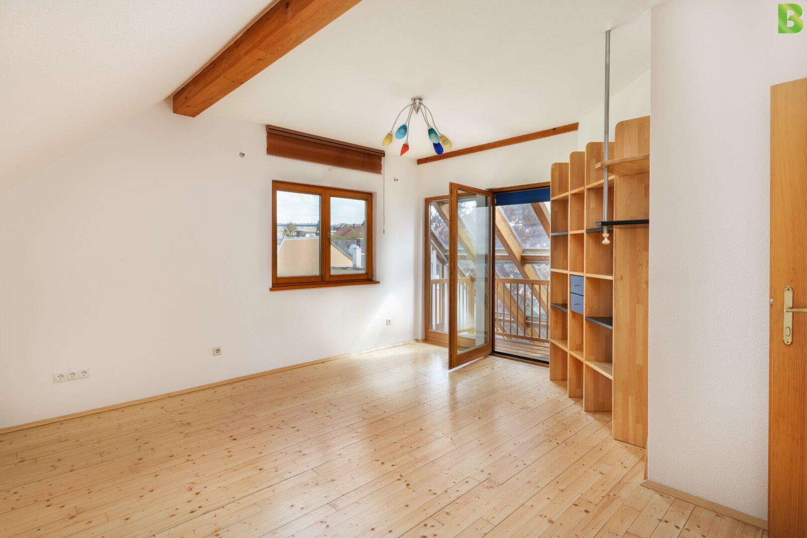 2. Wohnzimmer im Dachgeschoss