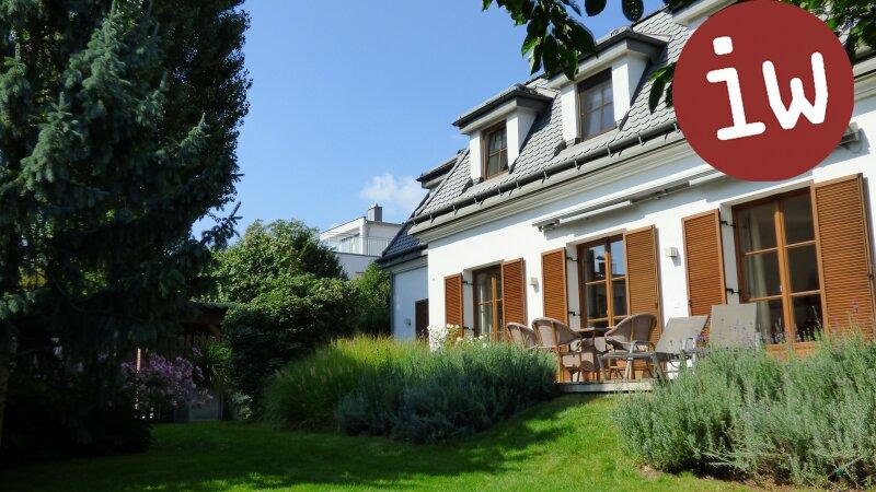 Wunderschöne Familien-Villa in bester Zentrumslage, traumhafter Garten Objekt_645