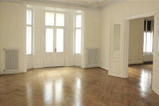 REPRÄSENTATIV ca 200m2  -  7 Zimmer in HERRSCHAFTLICHEM  STILALTBAU/RENOVIERT