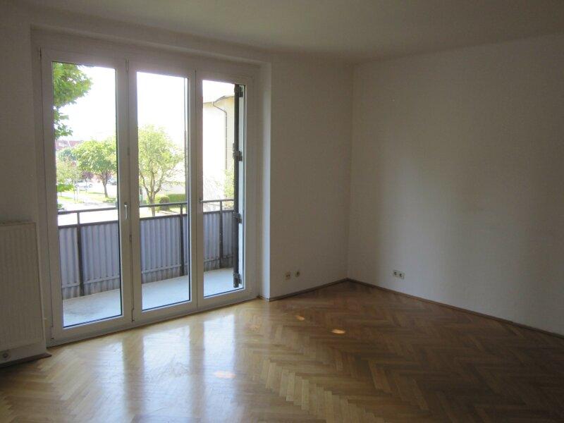 4 Zimmer-Wohnung - Nähe Finanzamt - Provisionsfrei !