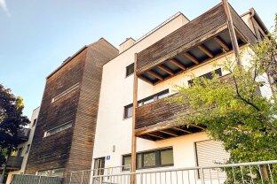RUHIGE 2-Zimmer-Wohnung mit großem Balkon! ab JETZT