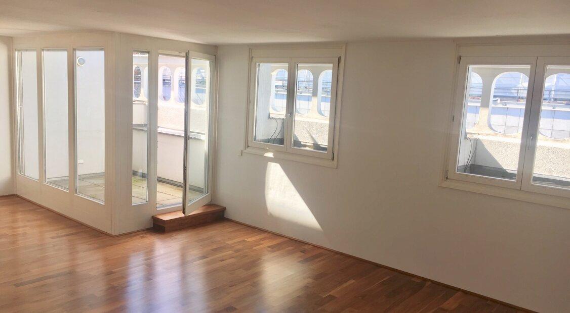 1010! Sonnige 3-Zimmer DG-Maisonette mit Loggia! Klimatisiert!