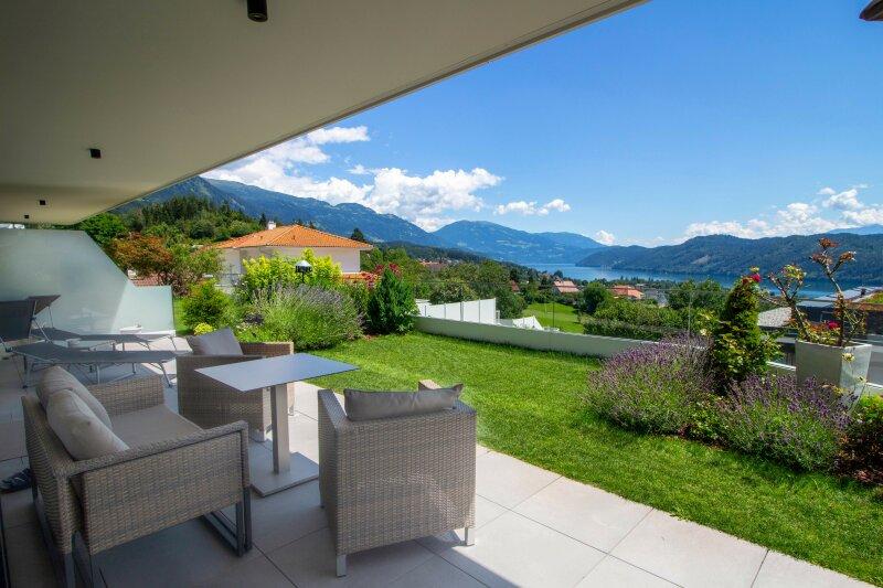 Terrasse mit Seeblick Ansicht 2