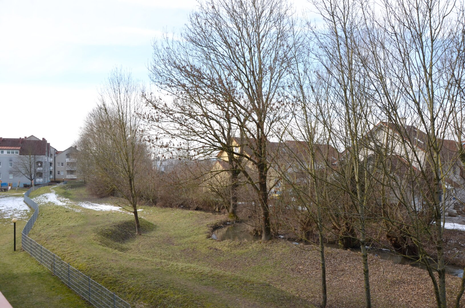 Referenzbild - Blick von der Loggia ins Grüne - nicht bei allen Wohnungen