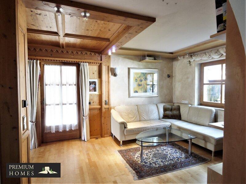 Breitenbach am Inn - Elegantes Landhaus - Blick ins Wohnzimmer