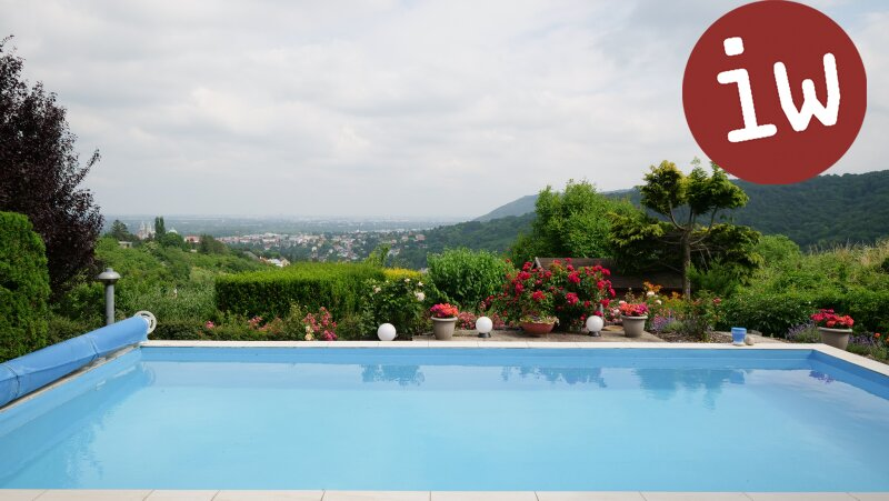 Klassische Villa,  exzellente Lage, sensationelle Fernsicht Objekt_505