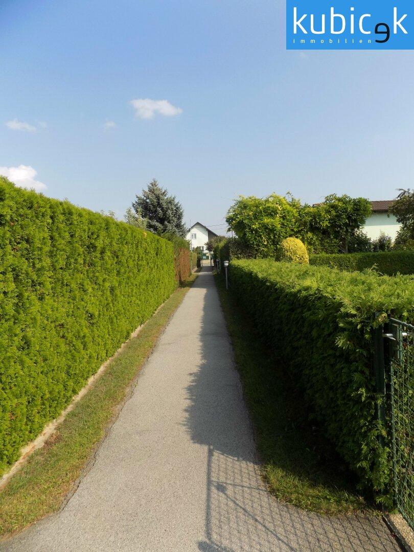 Fußweg zum Grundstück