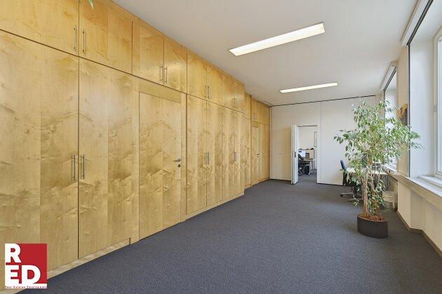 Lichtdurchflutete Büroräume - modern- veränderbar
