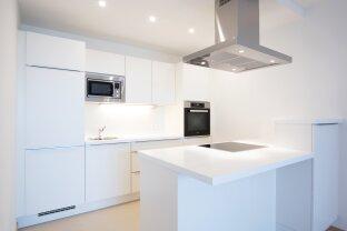 NEU und MODERN! 2-ZIMMER MIT BALKON! Tolle Küche inklusive und Fußbodenkühlung!