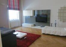 Modern möblierte 3 Zimmer mit Loggia bei der Karlskriche