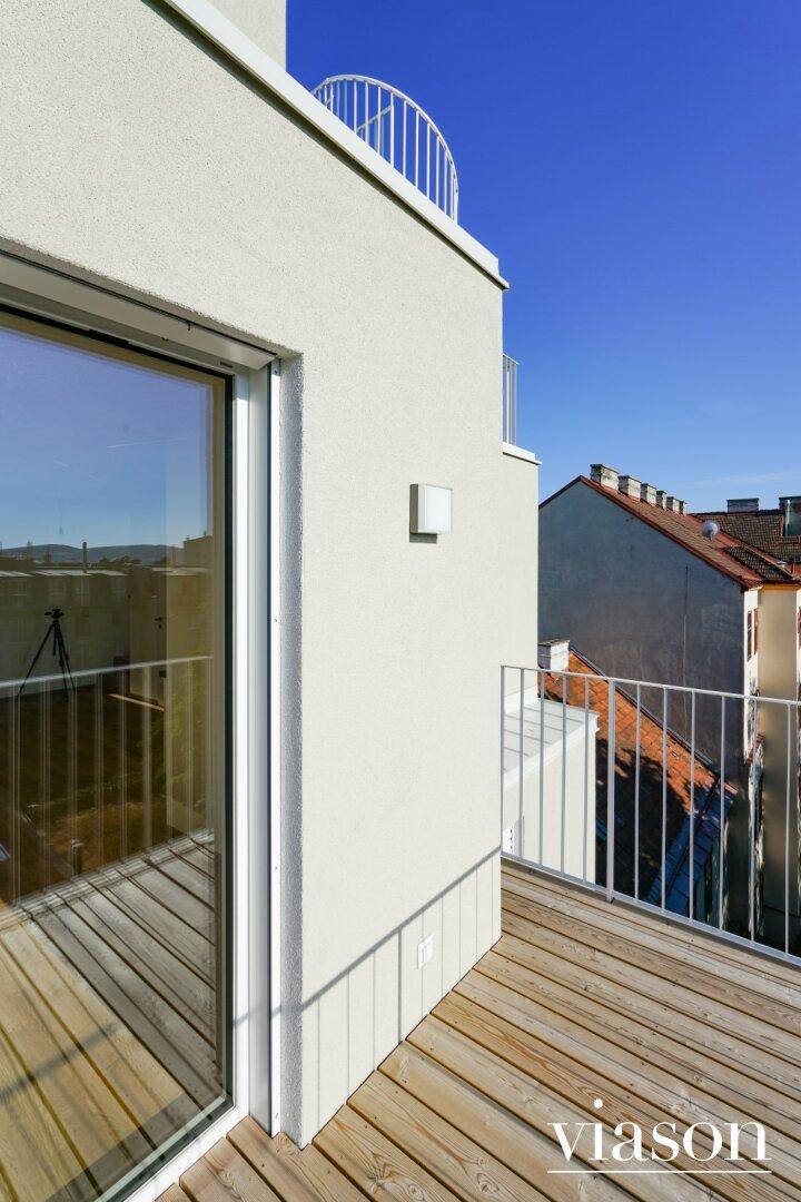 Strom und Licht auf dem Balkon