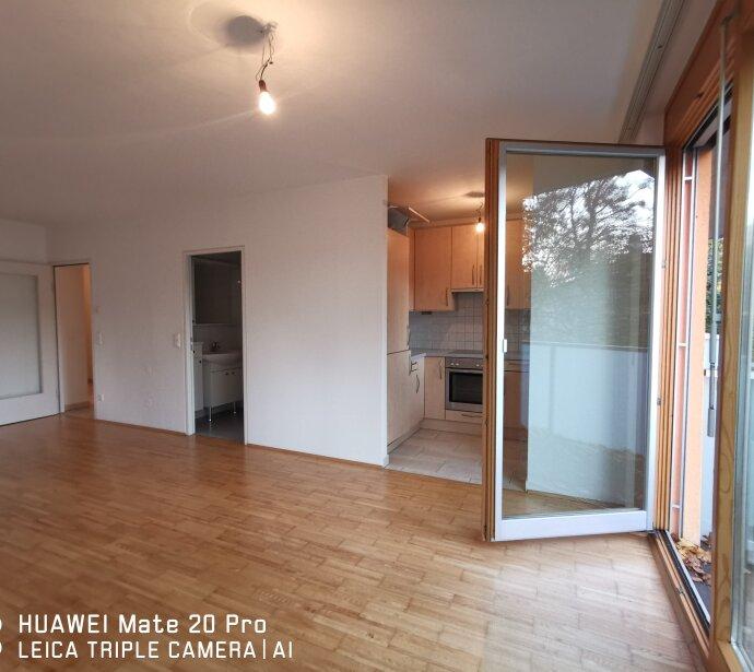 Braunschweiggasse: Wohnen in Grünruhelage: 2 Zimmer mit Balkon und ca. 130 m2 Gemeinsachaftsgarten: ab sofort!