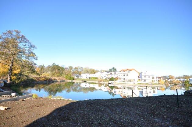 Foto von Ideal aufgeteiltes Einfamilienhaus mit direktem Zugang zum Badesee!!