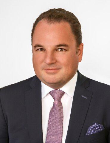 Mag. Peter Petrik (Portraitfoto)