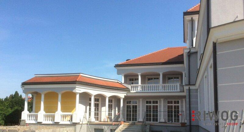 HERRSCHAFTLICH Wohnen - High-End Villa-Residenz auf höchstem Niveau - TOP 1 /  / 1220Wien / Bild 0