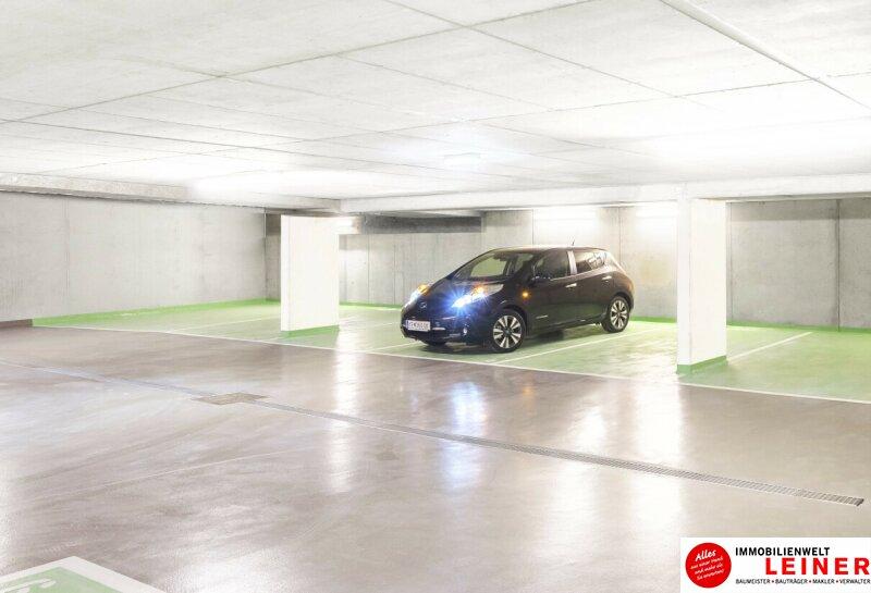 Schwechat:  Autoliebhaber aufgepasst - sichere, helle und komfortable Tiefgaragenplätze - 50€/Monat fürs erste halbe Jahr - Kennenlernaktion! Objekt_14837