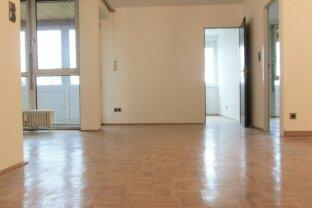 Sehr gutes Preis/Leistungsverhältnis! 73 m², 3 Zimmer plus 2 verglaste Loggias, 4. Liftstock